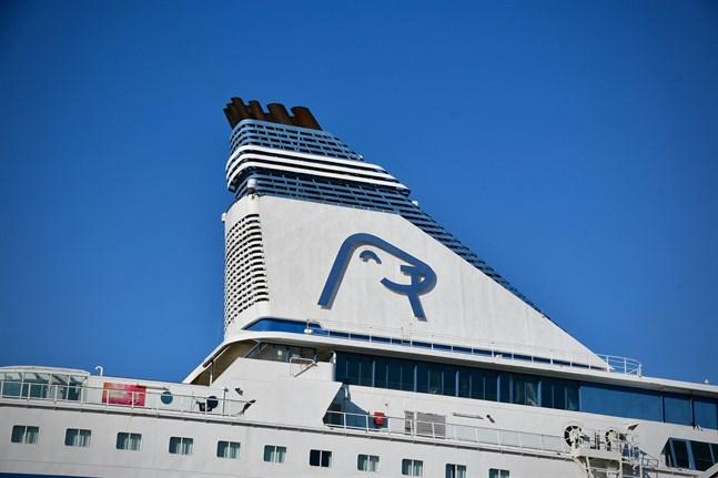 Under Silja Europas kryssning till Tallinn 30.6–1.7 har en person med milda symtom rört sig i fartygets allmänna utrymmen en längre tid, vilket innebär att andra passagerare möjligtvis exponerats för sjukdomen.
