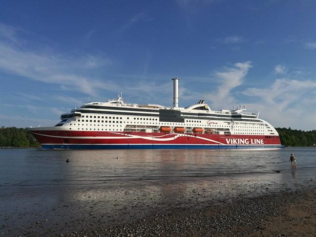 Viking Grace är det ena av två Viking Line-fartyg som trafikerar rutten Åbo-Stockholm. Det andra fartyget heter Amorella.