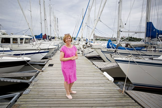 Anna-Maja Henriksson (SFP) säger att regeringen måste skapa framtidstro efter krisen.