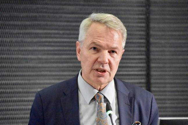 Grundlagsutskottet inleder behandlingen av förundersökning kring utrikesminister Pekka Haavisto (Gröna) på måndag.