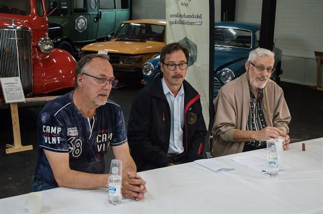 Rolf Dahlin, Peter Nyman och Björn Palm beklagar att de måste ta beslutet att flytta fram Juthbackamarknaden till nästa år.