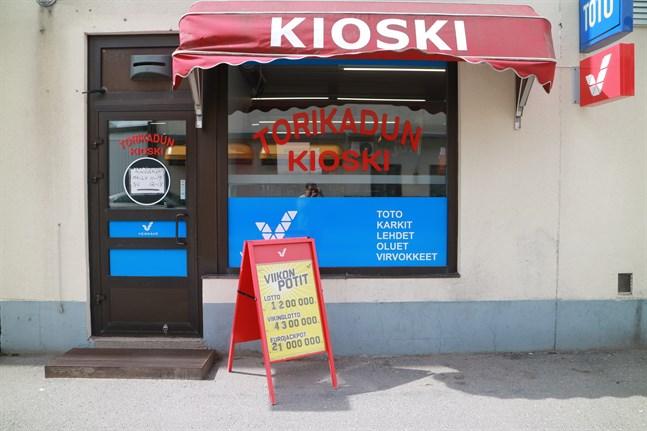 Stänger för gott. Torgkiosken flyttade in i en mindre lokal för ett knappt år sedan men stänger nu helt.