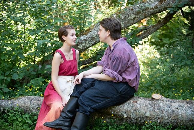 Ett möte mellan Jorun (Mila Nyman) och den mystiske mannen (Axel Hanses) slutar inte som hon hade önskat.