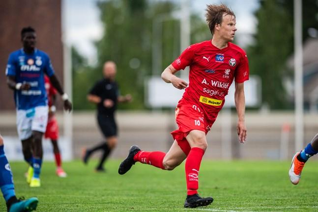 Severi Kähkönen inleder på bänken i hemmamatchen mot AC Kajaani. Det gör även Anthony Olusanya.