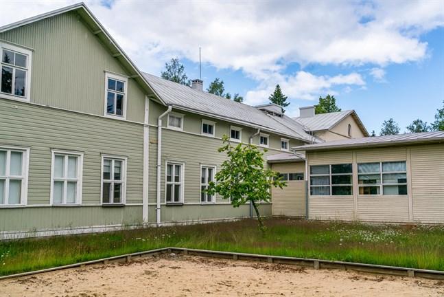 Vittsar skolas nya ägare vill göra om skolan till ett bostadshus.