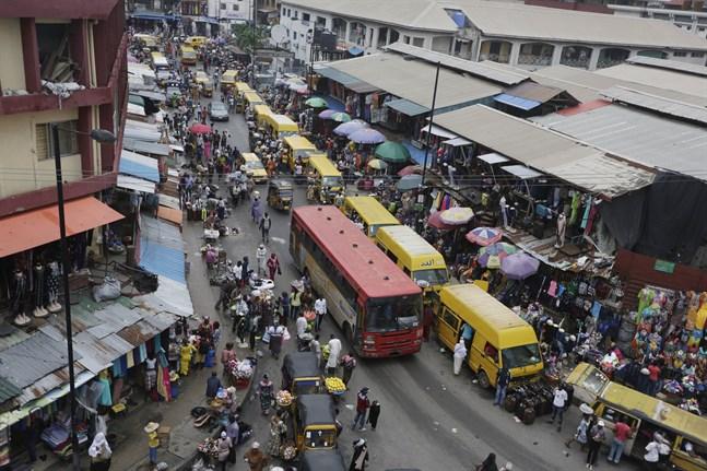 Befolkningen i Nigeria spås öka stort, till skillnad från i de flesta av världens länder. Arkivbild från Lagos.