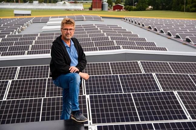Enligt vd Stefan Skullbacka kan man överväga en utvidgning av solkraftverket om några år. Med nuvarande kapacitet borde det täcka omkring 20 procent av packeriets årliga elbehov.