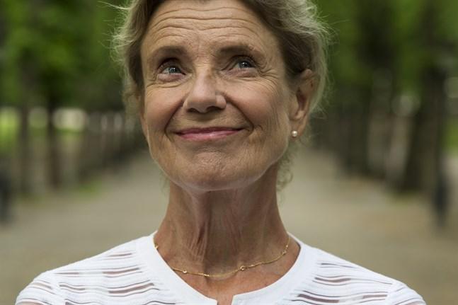 """""""Här brusar strömmen förbi"""" är Stina Ekblads debut som författare."""
