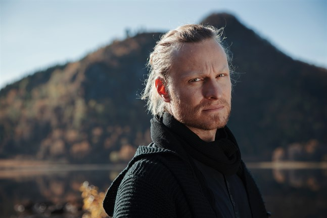 Tobias Tåg blev känd med Thoby Loth. Nu längtar han efter att få stå på scen igen med sitt nyare band Temple of the Stars.