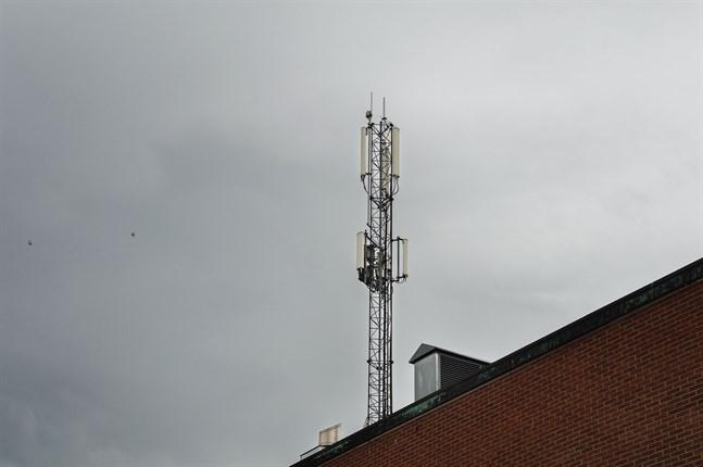 Strömavbrotten orsakar störnignar i teleoperatörernas mobilnät.
