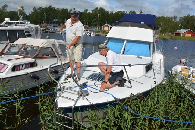 Kalle Wilson och Stefan Ylsöbäck konstaterar att intresset för båtliv ökar. Friheten är för dem en av tjusningarna med båtfärder.