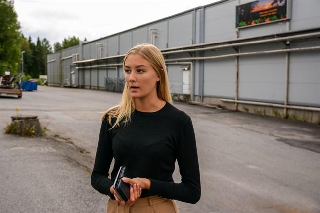 Exportchef Amanda Gustafsson på Marja Bothnia Berries räknar nu med att man får in thailändska bärplockare till Finland. Men trots det är man i år mer beroende av inhemska plockare.