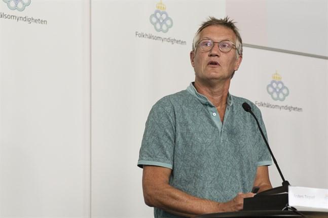 Anders Tegnell, statsepidemiolog vid Folkhälsomyndigheten i Sverige, vid presskonferensen under torsdagen.