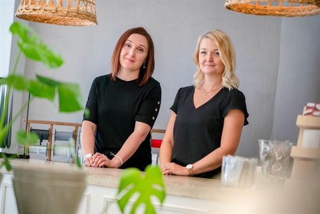 Jenny Stenvall-Nyfeldt och Lina Karlsson som köpte inredningsföretaget Lenas Shop i somras är mycket nöjda med den hjälp de fick via Concordia.