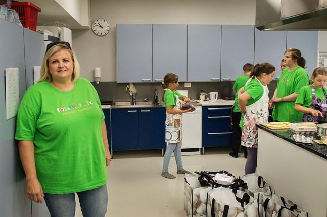 Mona Ahlsved, verksamhetsledare för Botnia 4H, har varit med i arrangemanget kring matskolan sedan 2013.