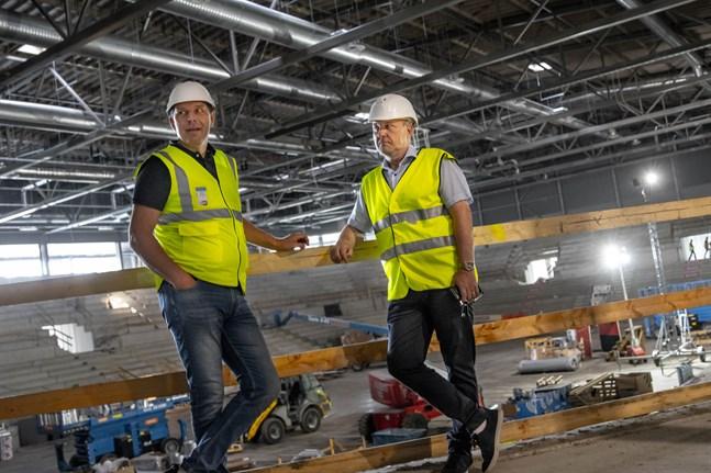 Tommi Pullola och Thomas Kurtén menar båda två att renoveringen är betydligt mer kostnadseffektiv än ett nybygge.