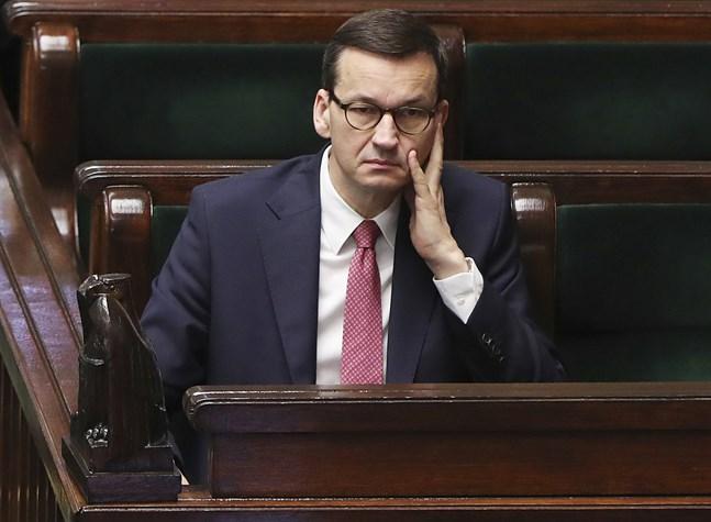 Polens premiärminister Mateusz Morawiecki vill utreda om Europarådets konvention mot kvinnovåld strider mot landets konstitution. Arkivbild.