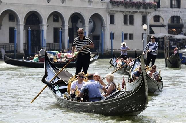 För att bekämpa klimatkrisen är metoden pandemi inte särskilt lyckad, skriver Robert Back. I början syntes ljusglimtar bland annat i Venedig, man kunde skönja liv i vattnet när trafiken minskade, men hur långvariga är effekterna?