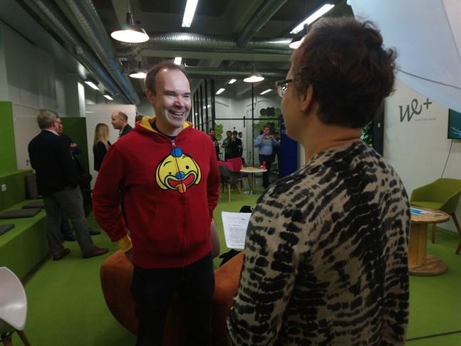 Affärsmannen Peter Vesterbackas planer på en tunnel till Tallinn får rött ljus från estnisk minister.