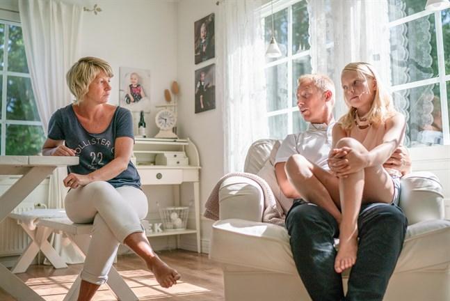 Marina och Markus Käld välkomnade tillsammans med dottern Sibel ett till barn till familjen.