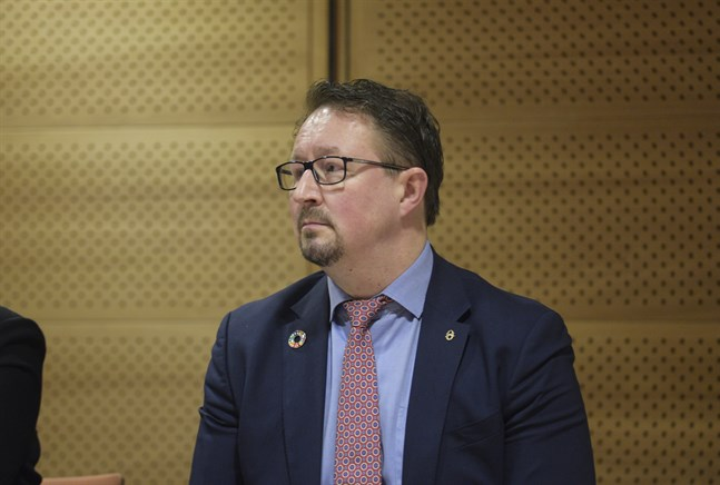 Mika Salminen, direktör för avdelningen för hälsosäkerhet vid Institutet för hälsa och välfärd, hoppas att alla finländare ska ladda ner smittspårningsapplikationen som lanseras i september.