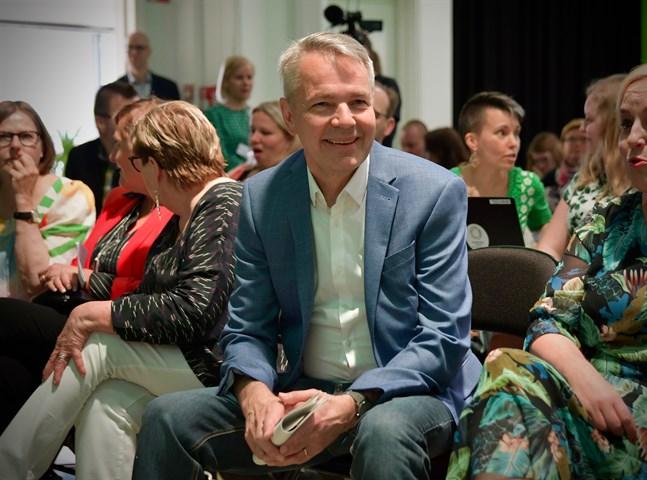 Utrikesminister Pekka Haavisto får beröm för sitt utrikespolitiska kunnande och sina personliga egenskaper. Bilden är från De grönas partikongress i fjol.