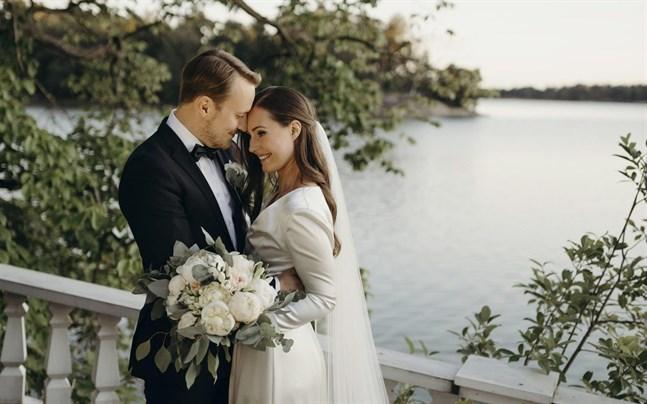 Statsminister Sanna Marin gifte sig lördagen den 1 augusti 2020 med maken Markus Räikkönen. Bröllopet firades i statsministerns tjänstebostad Villa Bjällbo.