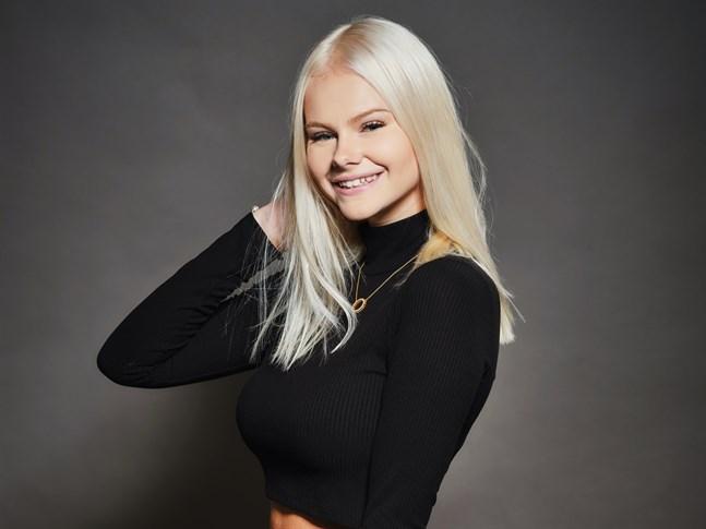 Jennifer Käld från Kronoby har i dagsläget 4,6 miljoner följare på Tiktok.