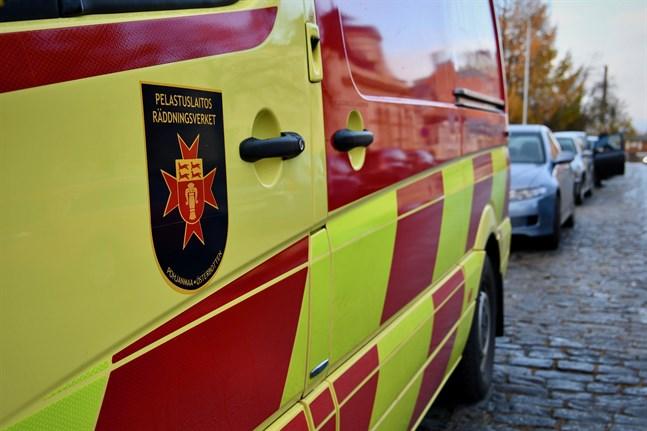 Södra Österbottens räddningsverk uppger att alla inblandade fördes till sjukhus.