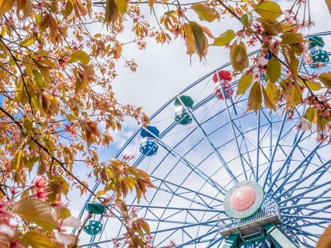 Borgbacken uppmanar personer som besökte nöjesparken den 26 juli att ta ett test om de uppvisar symtom på corona.
