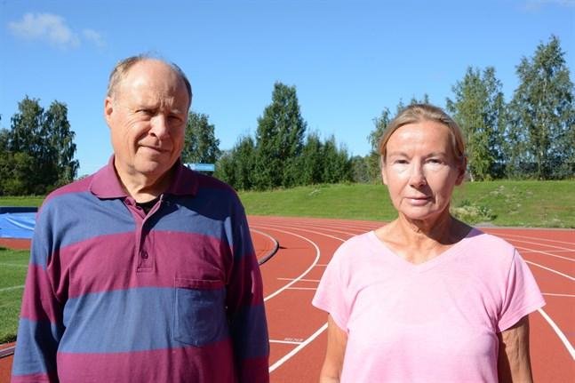 För Bo Bäckström är Ärevarvet en 35 år lång tradition. Eva-Lis Mård har deltagit varje år sedan starten år 1971, antingen som deltagare eller arrangör.