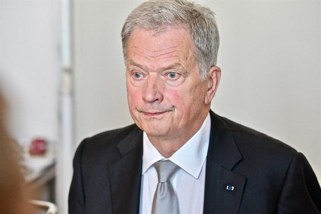 President Sauli Niinistö uppmuntrar finländarna till att orka följa begränsningar då en ny coronavåg ser ut att vara på kommande.