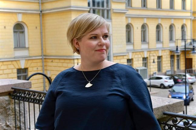 Efter ett års familjeledighet återvände Annika Saarikko (C) på torsdagen till sin post som landets forsknings- och kulturminister.