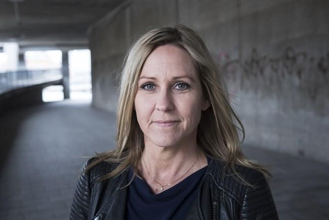 Christina Sahlberg, sparekonom på Compricer, tipsar om sina bästa strategier för att lura hjärnan att spara.