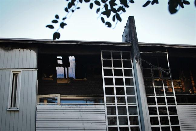 Flera lägenheter skadades i den våldsamma branden på Formansgatan i Vasa.
