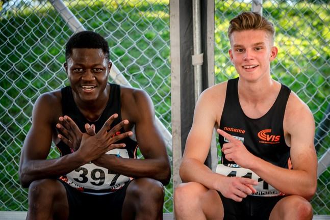 Glada Vasakillar. Ive Ntumba tog brons på 100 meter medan klubbkompisen Benjamin Olli sprintade in som fjärde man i 16-årsklassen.