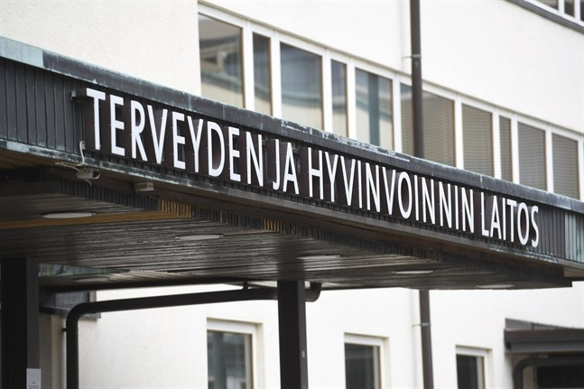 Uppgifterna går isär om när den coronasmittade personen reste med tåg till Vasa. THL kommenterar inte fallet.