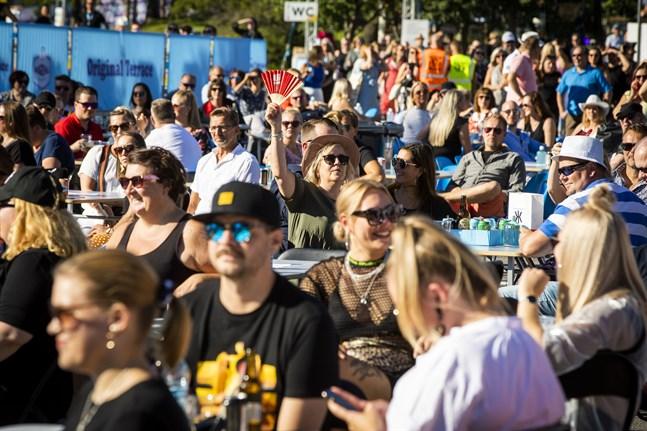 Den smittade hade besökt både Old Irish Pub och Vasa Festival, säger Heikki Kaukoranta.