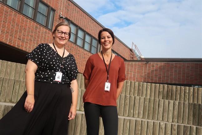 Johanna Sjöberg och Anna Österberg är Vasa övningsskolas nya skolcoacher. De ser fram emot skolstarten nästa vecka.