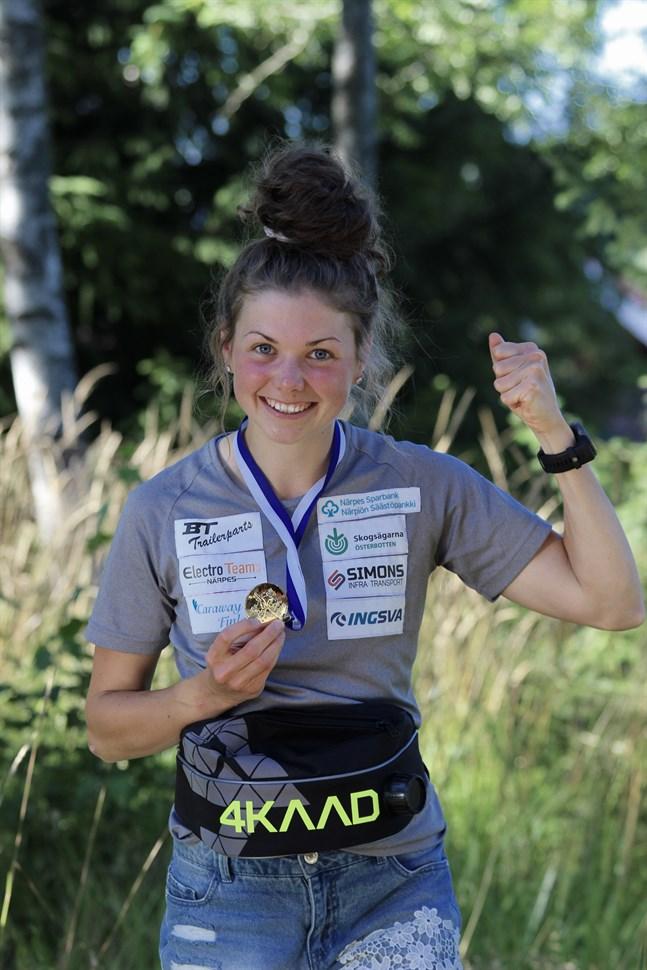 Heidi Kuuttinen vann FM-guld i 22-årsklassen i rullskidskytte.