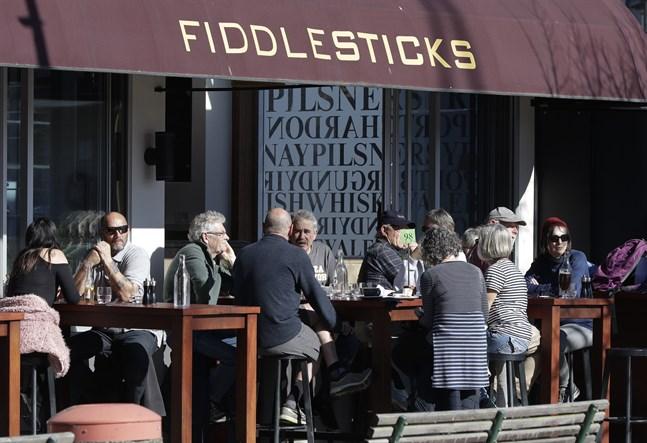Vardagen för nyzeeländare påminner numera om hur den var före pandemin. Här ett kafé i Christchurch.