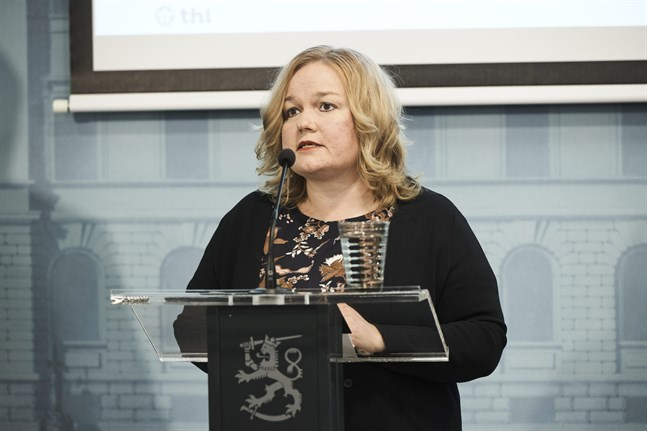 Familje- och omsorgsminister Krista Kiuru informerade om de nya kraven vid en presskonferens under måndagen.