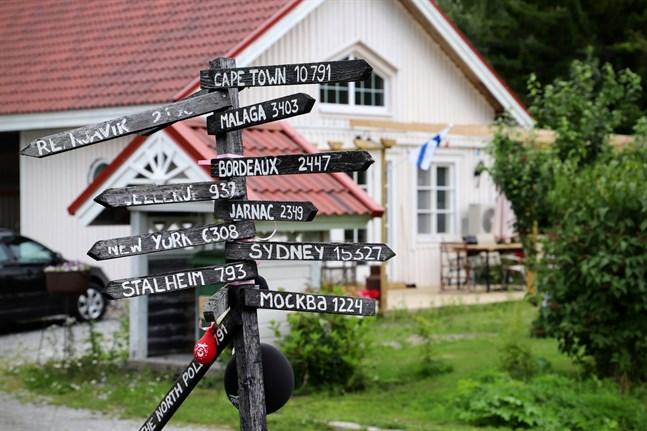 Bergö är ett res- och utfklytsmål som saknat övernattningsplatser i många år. Nu har Nina Westman-Enroth öppnat bed and breakfast här.