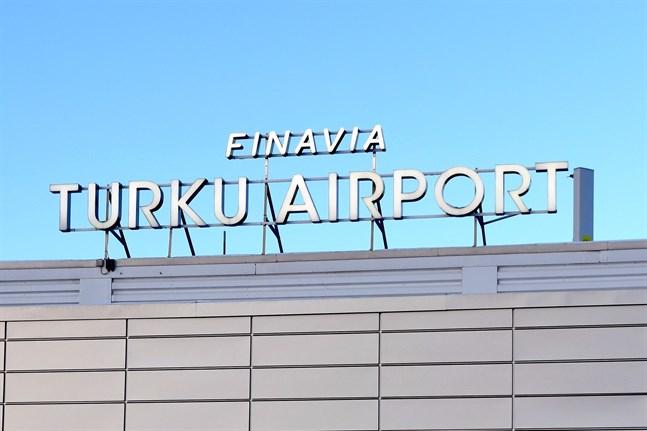 Vasa sjukvårdsdistrikt har fått ett nytt fall av coronasmitta. Personen i fråga testades på Åbo flygplats efter att hen anlänt från Skopje i Nordmakedonien.