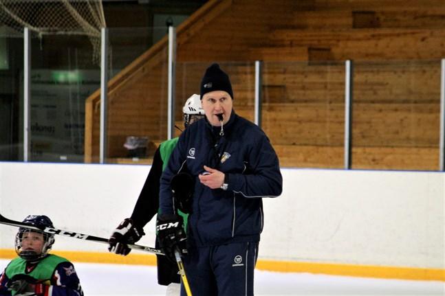 Robert Salo är ny juniorträningschef i Kraft hockey.