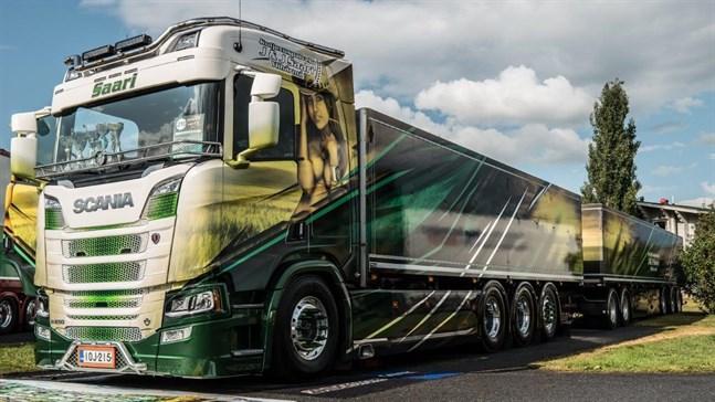 Transportservice J&J Saari från Ylihärmä har tidigare deltagit i Power Truck Show.