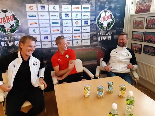 Det har varit roligt i Jarolägret på sistone för Jonas Portin, Jim Myrevik och Niklas Käcko.