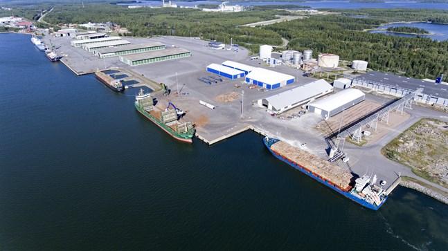 Hamntrafiken i Kaskö fortsatte växa under årets sex första månader. Hittills har 197 fartyg anlöpt hamnen.