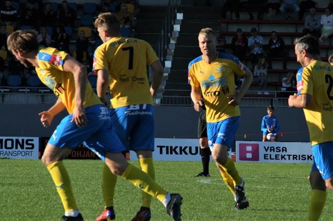 Krafts försvar, med Jens Nygård i spetsen, får se upp med Norrvalla FF:s anfallare på söndag.