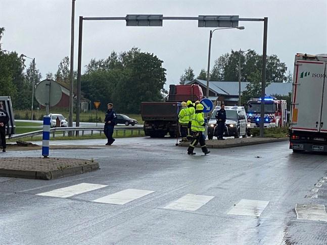 Trafikolyckan inträffade i korsningsområdet Lappfjärdsvägen-Bötomvägen på fredagseftermiddagen.